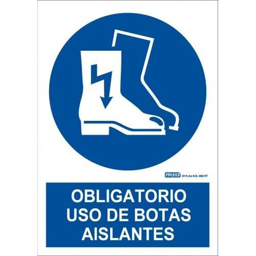 ES OBLIGATORIO EL USO DE LAS BOTAS AISLANTES A4 Y A3